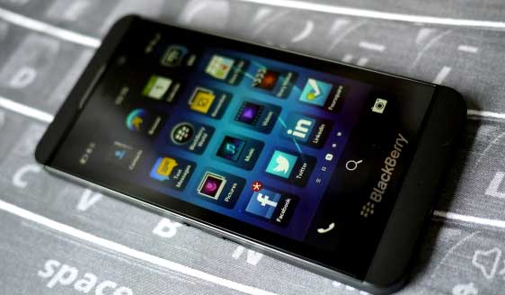 BlackBerry COO, CMO and CFO leave the company
