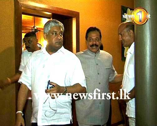 President Rajapaksa pays his last respects to R.I.T. Alles