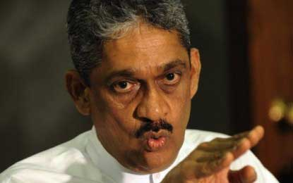 Sarath Fonseka compares the Elections Commissioner to a scarecrow