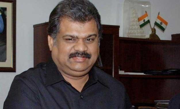 Avoid taking policy decision over training for SL forces, says Vasan
