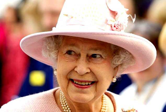 Gift from top SL politician among details of gifts received by Queen Elizabeth