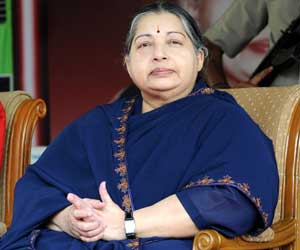 Jayalalitha should wait till March to release Rajiv Gandhi's assassins