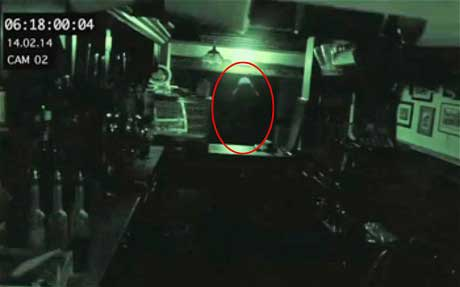 Chilling CCTV footage shows 'ghost' inside one of UK's oldest pub ?