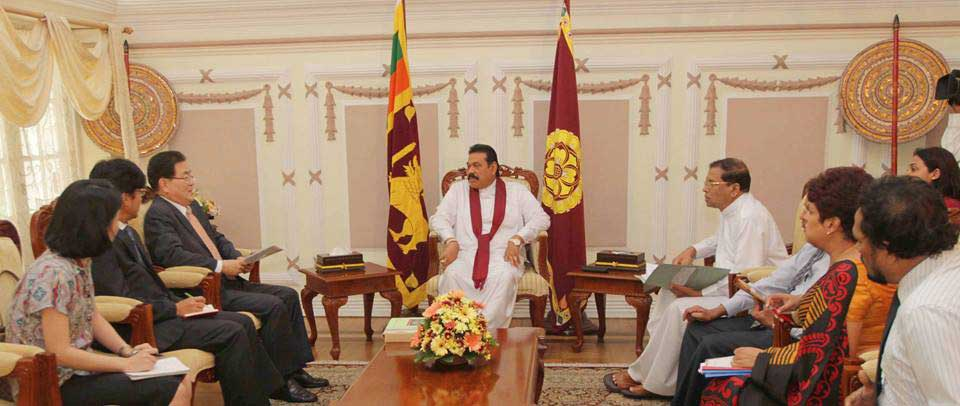 Political party representatives meet the Elections Commissioner