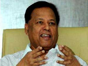 Dr. Amunugama sworn in as Minister for Special Assignments