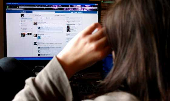 Teenager kills herself after mother's Facebook ban