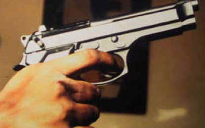 Bus conductor shot in Tangalle