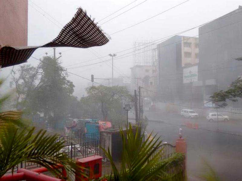 Cyclone Hud Hud strikes eastern Indian coast