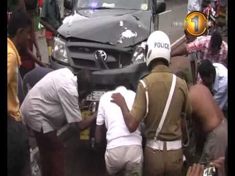Wariyapola accident injures one (Watch video)