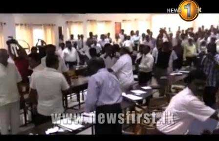 Clash at Jaffna district development committee meeting (Video)