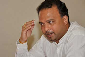 Six recommendations introduced to regulate SLC: Navin Dissanayake (Watch report)
