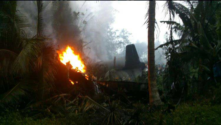 Update: Athurugiriya plane crash claims four lives (Watch Video)