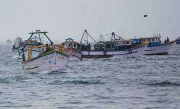 Indian Coast Guard reach stranded SL fishermen in International Waters