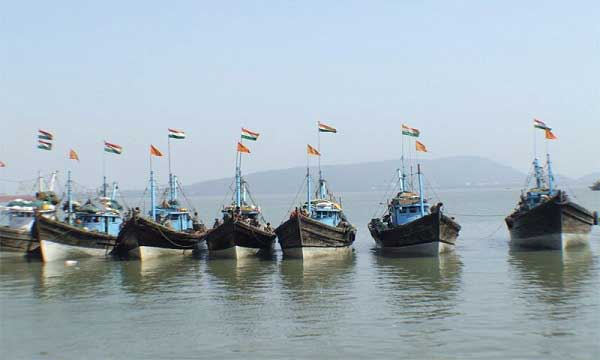 Released Indian fishermen handed over to Indian Coastguard