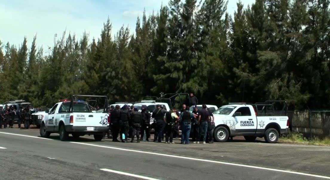 Gun shootout in Mexico takes dozens of lives
