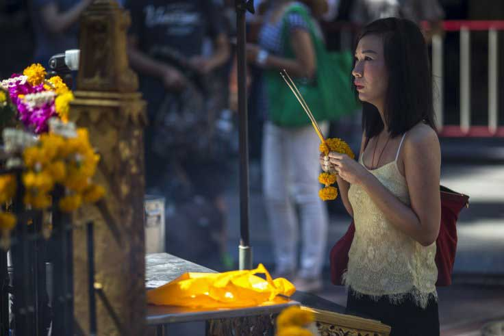 Thailand's Erawan Shrine reopens after bomb attack