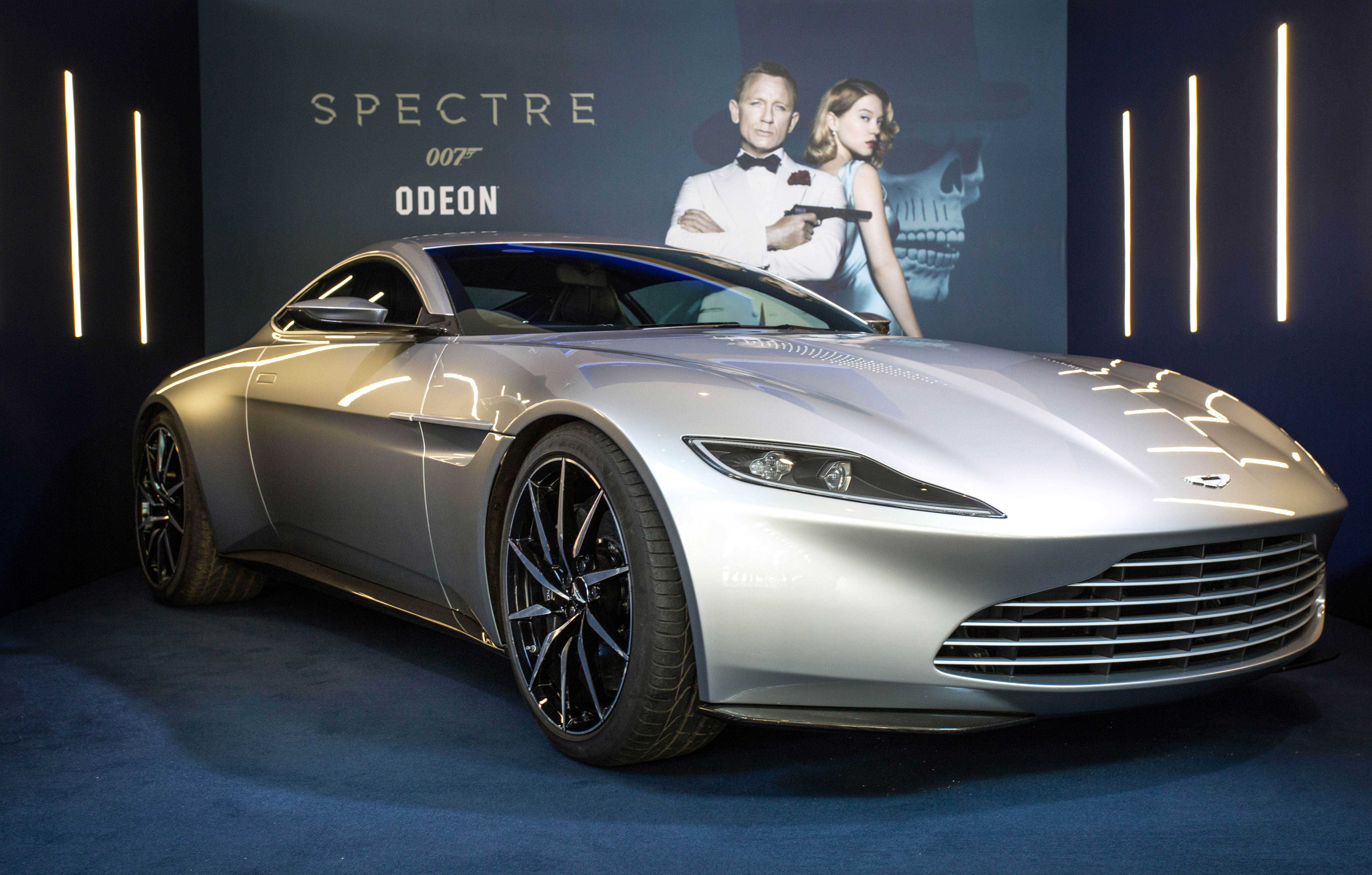 bond cars at the cars of spectre exhibition sri lanka news. Black Bedroom Furniture Sets. Home Design Ideas