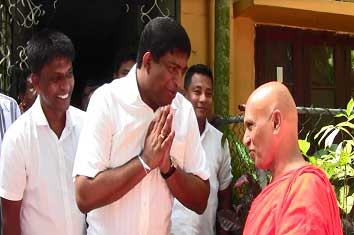 Min. Ravi Karunanayake makes financial donations in line with Poson