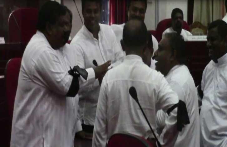 Tense situation at Southern Provincial Council as members protest