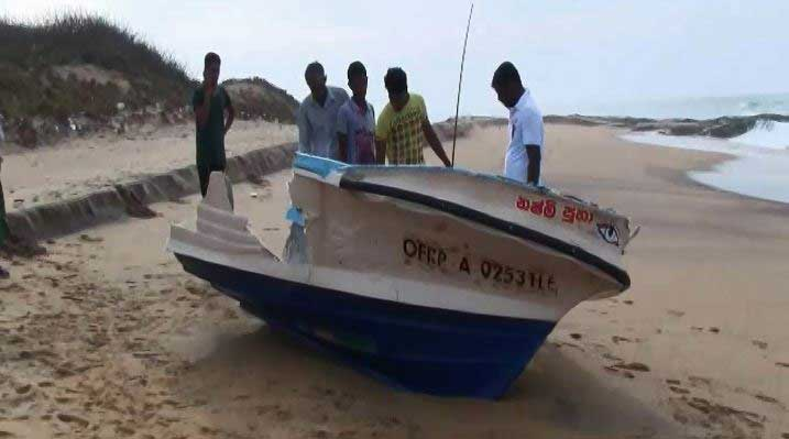 Hambantota fishermen reach out to vessel in distress