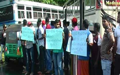 Kala Oya private bus owners stage protest
