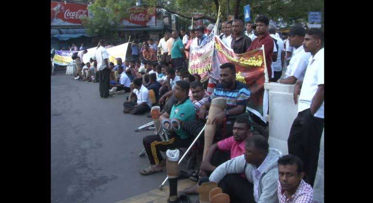 Disabled war veterans protest in Colombo: How the authorities responded