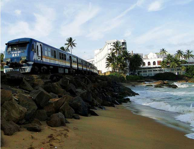 Moratuwa, Mount Lavinia train services halted