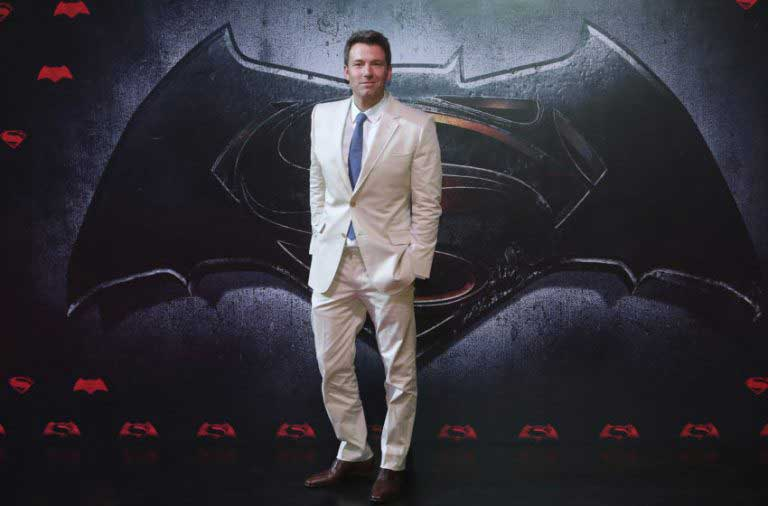 Affleck gives up directing Batman
