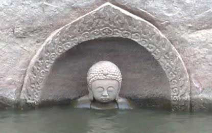 Six-hundred-year-old Buddha statue emerges from water in China
