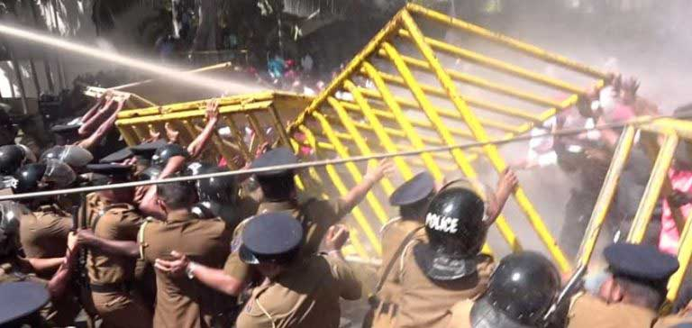 Police use water cannons, tear gas to diffuse National Trade Union Centre protest