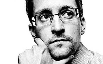 Snowden requests help for Sri Lankan refugee families who sheltered him