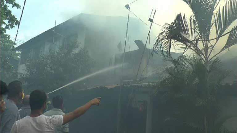 Shop, houses destroyed in Maharagama fire