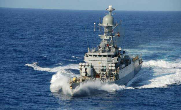 Indian ship carrying aid arrives in Colombo