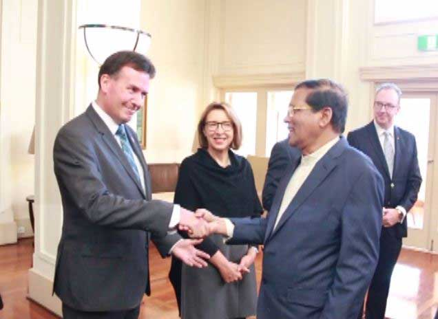 President Sirisena receives warm welcome in Australia