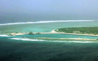 US warns Beijing on South China Sea islands