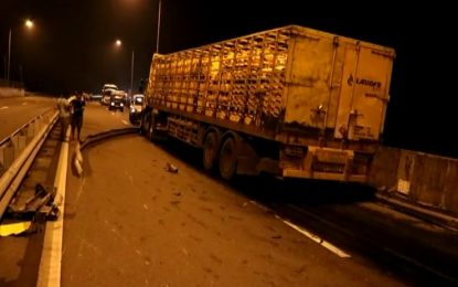 Southern Expressway accident brings Colombo traffic to a standstill