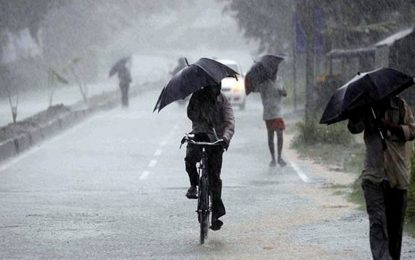 Temporary lull to make way for heavy showers as 'unusual phenomena' move away