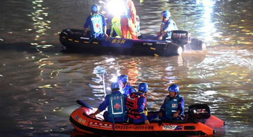 China Dragon boat accident claims lives of Seventeen