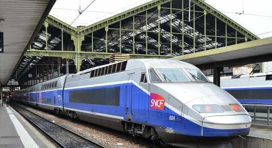 Two-day strike by French workers to disrupt train service