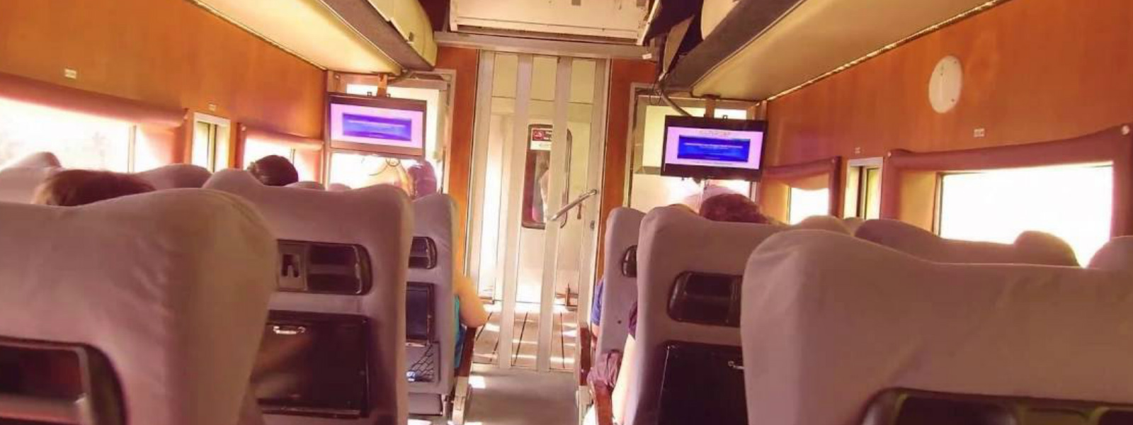 Luxury AC train from Mt. Lavinia to Rambukkana