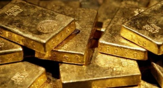 Sri Lankan Navy arrests 3 with Gold worth Rs. 48 million