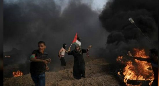 Israeli fire kills 6 Palestinians at the Gaza strip