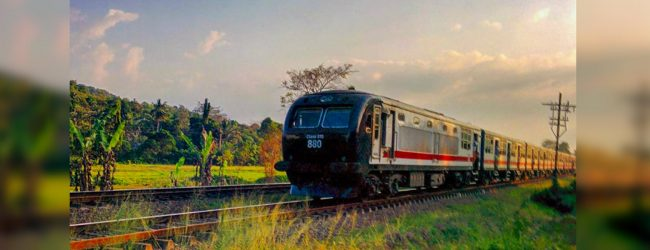 Train travel between Ragama and JaEla suspended