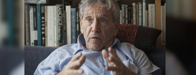 Israelis mourn death of author Amos Oz