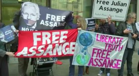Protesters demand Assange release as extradition hearing starts